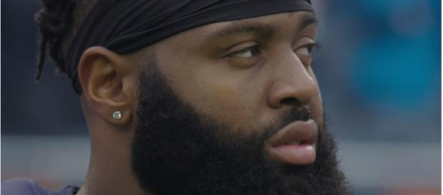 Akiem Hicks before facing the Panthers - image - Chicago Bears/Youtube