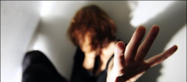 Cronaca ultime notizie: stupro Ravenna, migranti filmano la ragazza - termometropolitico.it