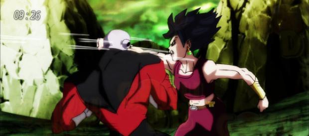 Kefura luchando contra Jiren salvajemente