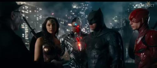 JUSTICE LEAGUE: 6 Clips from the Movie (2017) [Image Credit: FilmSelect Trailer/YouTube screencap]