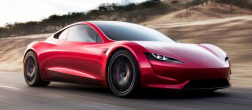 La nuova Roadster, fulmine rosso