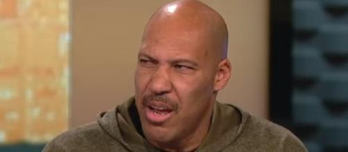 LaVar Ball said Luke Walton should play Lonzo the whole fourth quarter (Image Credit: ESPN/YouTube)