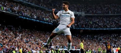 Marco Asensio en plena celebración de su gol al Barcelona en agosto