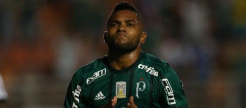 Palmeiras, desarrumado, perde em Itaquera
