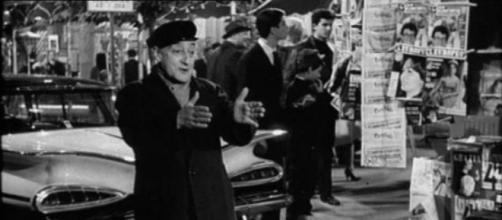 """Toto parcheggiatore abusivo in """"Totò, peppino la dolce vita"""""""