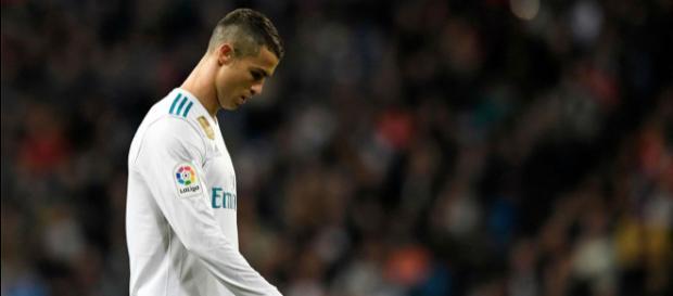 Cristiano Ronaldo decepcionado tras su mal partido.