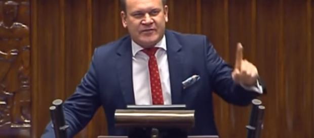 Dominik Tarczyński w Sejmie (screen z Youtube).