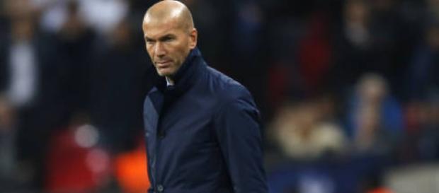 Zidane estudiar renovar el equipo
