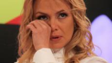 Eliana abre o coração, fala do sofrimento nos últimos meses e faz público chorar