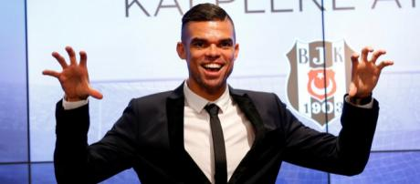 Pepe se paye les supporters du Real Madrid !