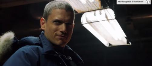 "DC's Legends of Tomorrow ""Meet Captain Cold"" Promo (HD) [Image Credit: TV Promos/YouTube screencap]"