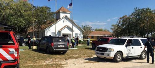 Masacre en ciudad de Texas cobra la vida de 26 muertos y decenas de heridos