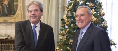 Rosato suggerisce il nome di Gentiloni come candidato premier del centrosinistra, ma anche Grasso scalda i motori