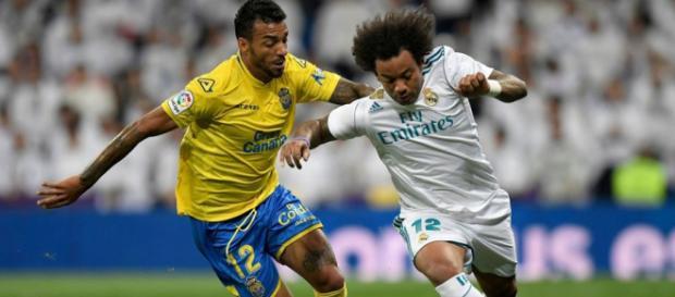 Dois laterais-esquerdos que atuam no futebol espanhol