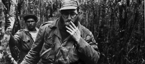 Fidel Castro fotografiado por Enrique Meneses en Sierra Maestra (Cuba)