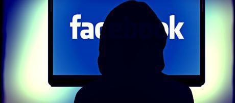 https://pixabay.com/en/facebook-social-networking-networks-257829/