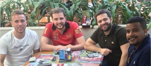 Diego Assis reunido com Arthur (Foto: Reprodução/Instagram)