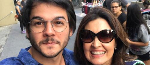 Fátima Bernardes assume namoro com Túlio