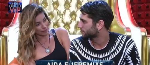 Grande Fratello Vip: Sara tuona contro l'ex fidanzato e Aida