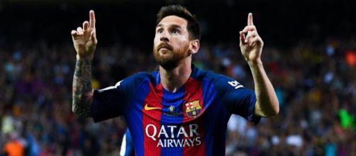 Messi esulta per un goal al Camp Nou.
