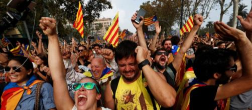 Spain's foreign minister offers potential hope to Catalonian's seeking independence