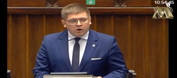 Poseł Tomasz Rzymkowski z Kukiz'15 ostro o banderowcach (screen YouTube).