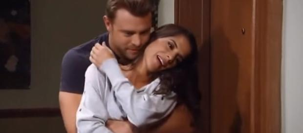 Sam McCall (Kelly Monaco) seems very happy with this Jason (Billy Miller). [Image: ABristova79/YouTube screencap