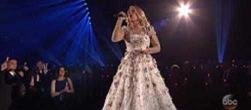 Carrie Underwood swept up the 2017 CMA Awards in heart and soul with 'Softly and Tenderly.' Inside Edition screencap/YouTube