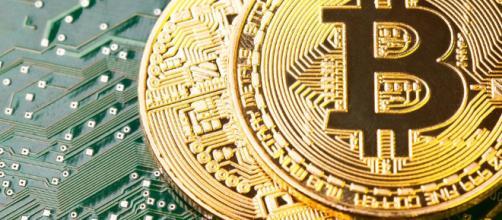 Per produrre un bitcoin c'è bisogno di moltissima energia elettrica - forbes.com