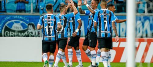 Jogadores do Grêmio em comemoração (Foto: Lucas Uebel)