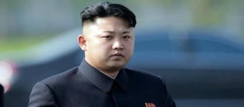 """Líder da Coreia do Norte, Kim Jong-un rebate ameaças e chama Trump de """"cachorro louco"""""""