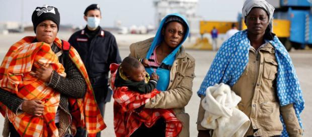 Un grupo católico de Italia recibe más refugiados que 15 países de ... - elpais.com