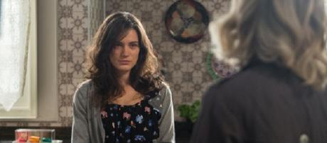 ''O Outro Lado do Paraíso'': Clara encontra casa da neta de Beatriz e dá início a vingança