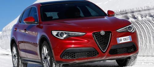 Alfa Romeo Stelvio supera Audi Q5 a nov 2017 - carmagazine.co.uk
