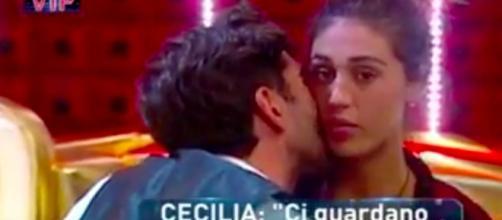 Cecilia e Ignazio, dolce intimità dietro le tende del Gf Vip