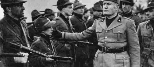 Invocato Benito Mussolini per il problema criminalità.