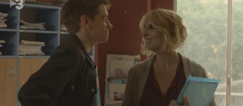 Los profesores Gabi y Elisenda empiezan a gustarse mientras avanza la última temporada de 'Merlí'.