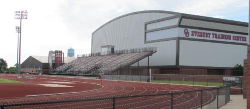 Oklahoma Sooners Training Center [image source: Greenstrat/ Wikimedia Commons]