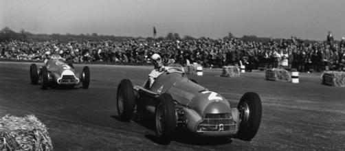 Passado de glória: Giuseppe Farina lidera com seu Alfa Romeo, em Silverstone, no primeiro GP da Fórmula 1, em 1950