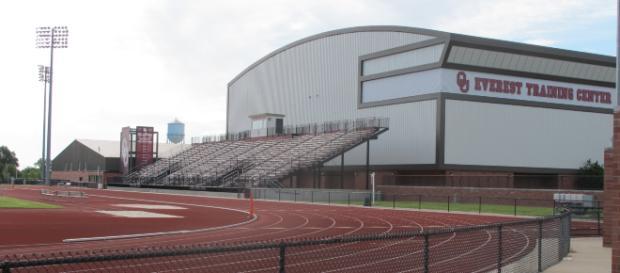 Oklahoma Sooners Training Center [image source: Greenstrat/ Wikimedia Commons]