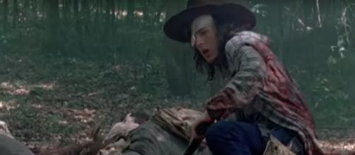 Carl and Siddiq got attacked by walkers. - [The Walking Dead Updates HD / YouTube screencap]