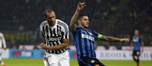 Contrasto tra Chiellini ed Icardi nel corso di Juventus-Inter