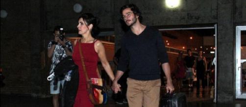 Fátima encontra namorado e beija muito. (Foto internet)