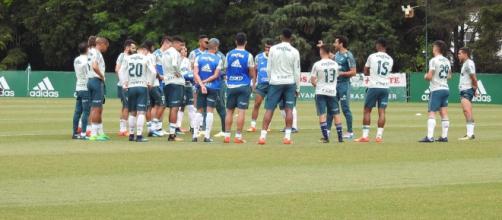 Grupo do Palmeiras treina na Academia de Futebol