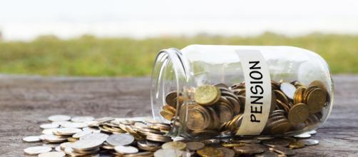 Pensione a 64 anni, si ampliano i possibili beneficiari, nuova circolare Inps