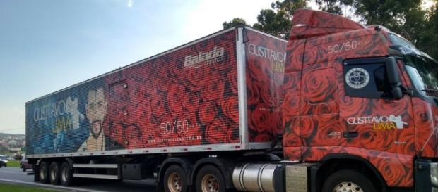 Caminhão do cantor Gusttavo Lima foi roubado em Atibaia.