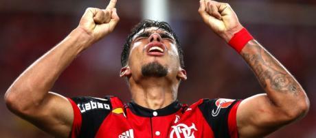 Lucas Paquetá comemorando gol pelo Flamengo (Via - flahoje.com)