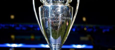 Taça da Champions League em disputa