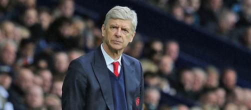 Arsene Wenger has shed a glimmer of light. pic - atomicsoda.com