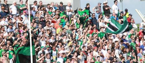 La curva del Pordenone: saranno quasi 4mila tifosi stasera a San Siro